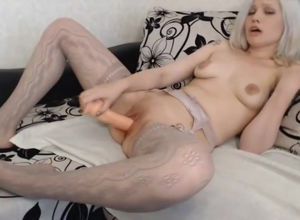unaffected webcam-model cums yon moans