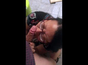Asian granny sucking american bushwa..
