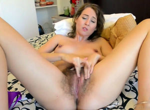Pretty hoe gropes her unshaved cooch..