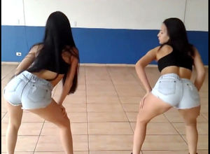 Latin young ladies demonstrate culo..
