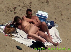 Beach 3 way hump from casual hidden cam