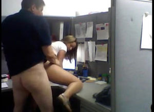 Coworkers plumbs right at her work place